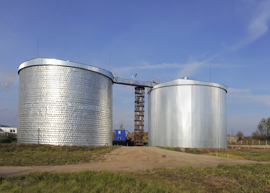 Bitumen storage tanks 2
