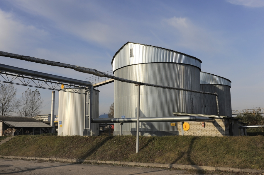 Bitumen storage tanks 4