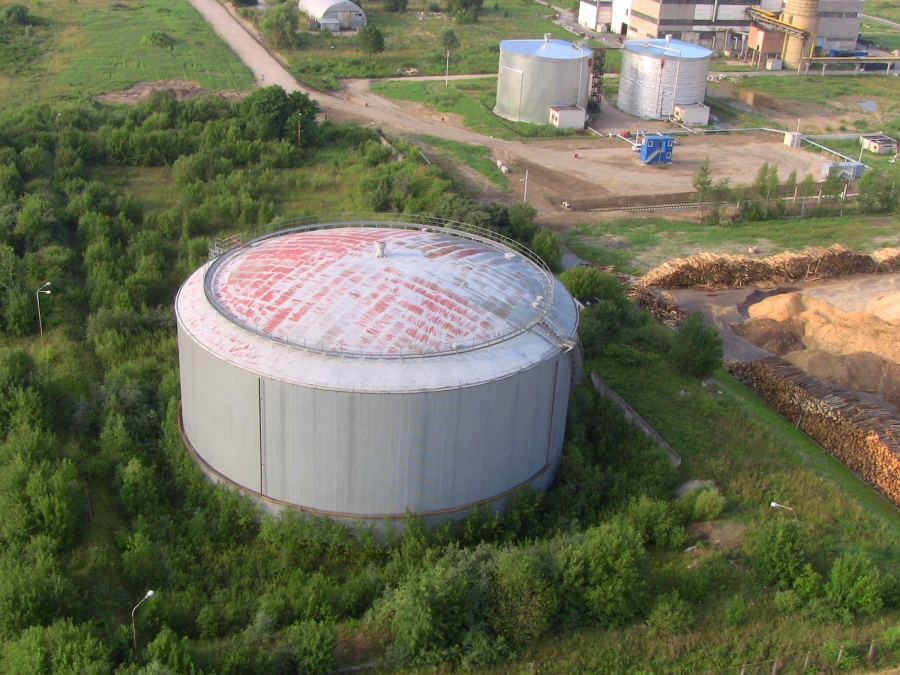 Bitumen storage tanks 5