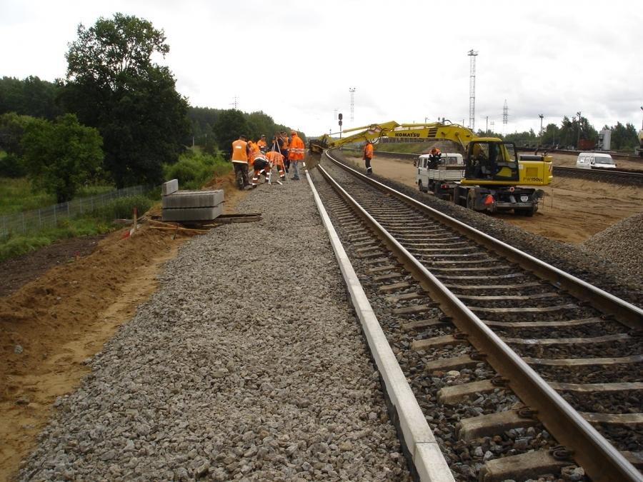 Repair of railway lines 8