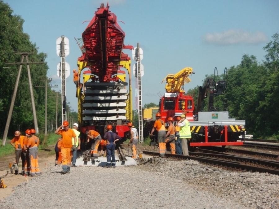 Repair of railway lines 2