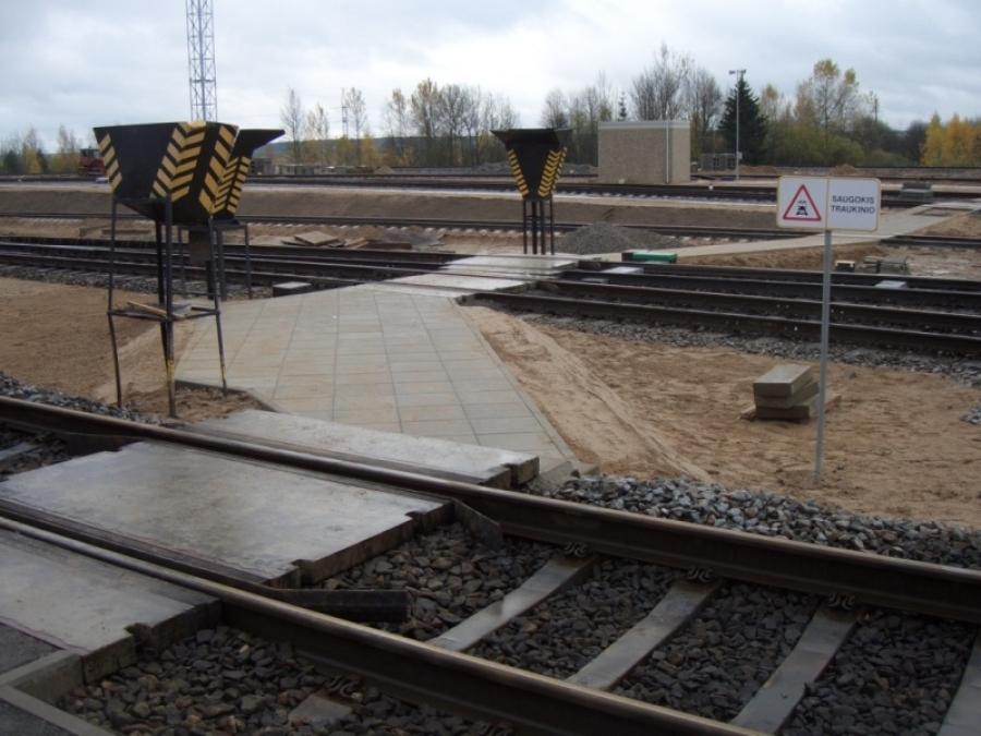 Repair of railway lines 9