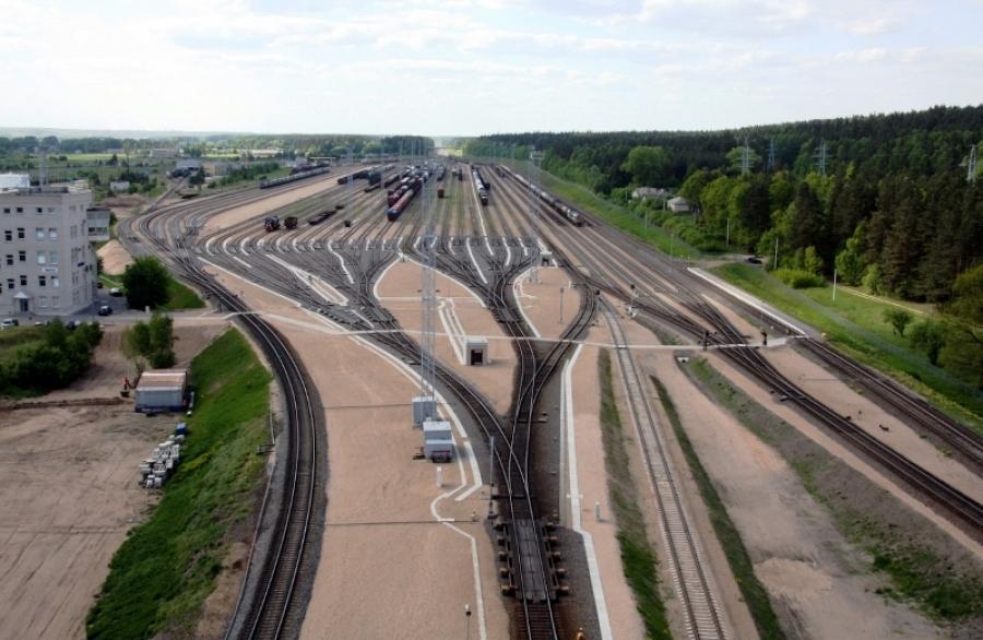 Repair of railway lines 11
