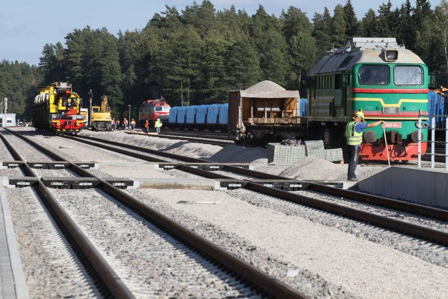 Repair of railway lines 4