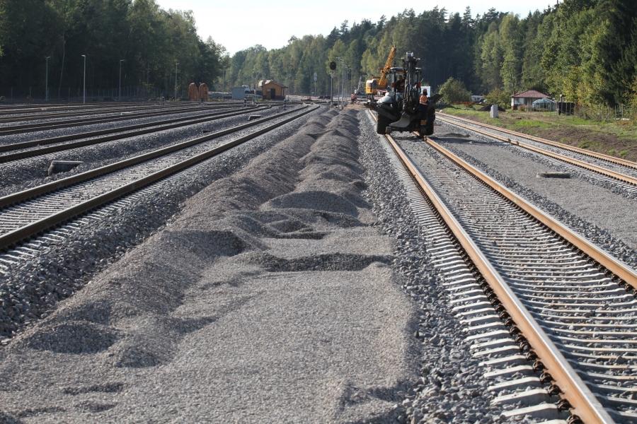 Repair of railway lines 13