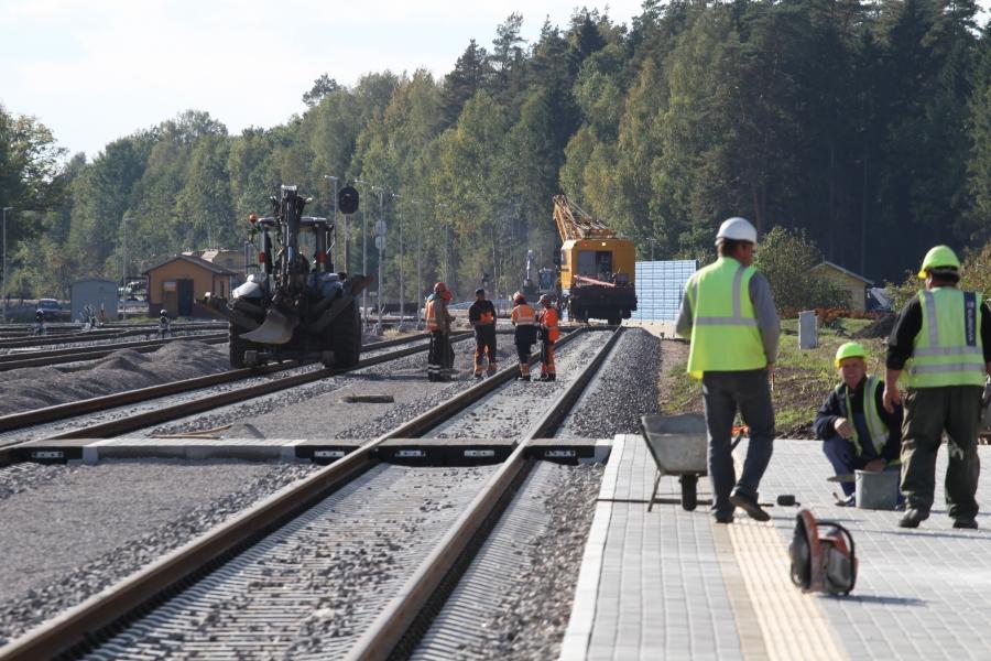 Repair of railway lines 15